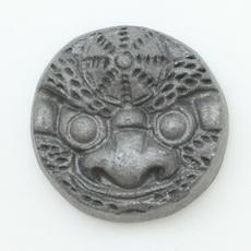 ピンバッジ(ミニ鬼瓦2.7㎝)(頭巾)