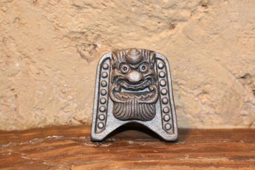 宝珠の額飾り鬼瓦.JPG